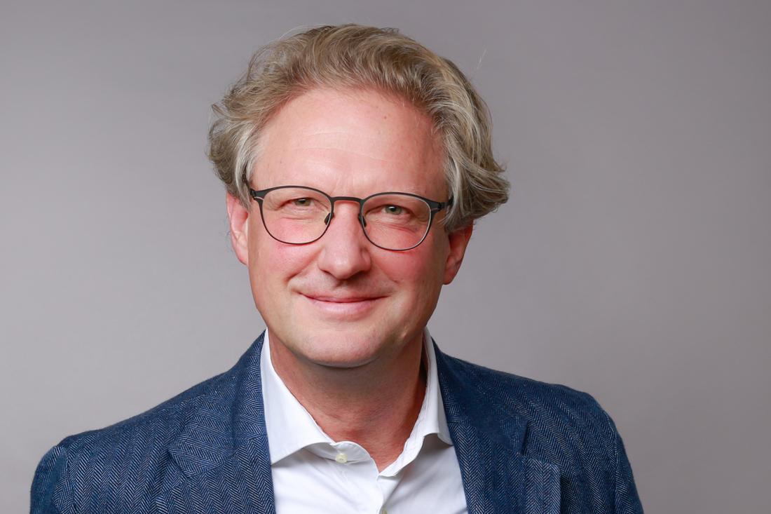 Dr. Konstantin Reetz